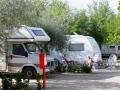 Grote campers op camping