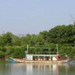 Toeristen op de Gambia rivier