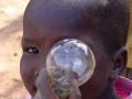 Jongentje met lamp