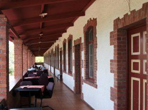Het terras van het restaurant nu